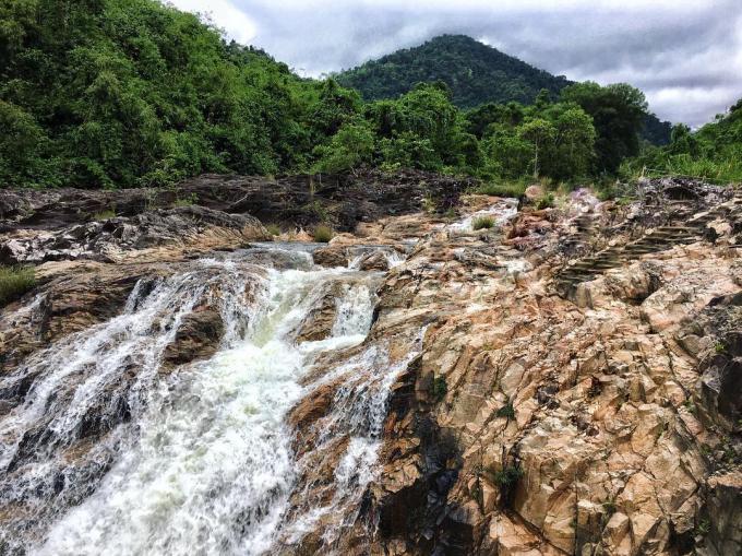 Khám phá 3 suối thác ở Nha Trang có vẻ đẹp bình yên đến lạ!