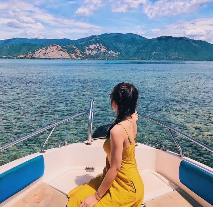 Khám phá con đường giữa biển độc đáo ở đảo Điệp Sơn