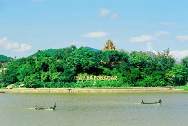 Khám phá kiến trúc tháp bà Ponagar Nha Trang